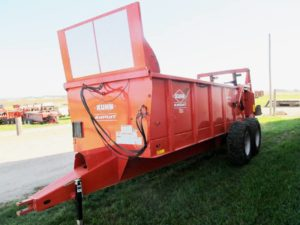 Kuhn Knight PS 160 Vertical Beater Manure Spreader