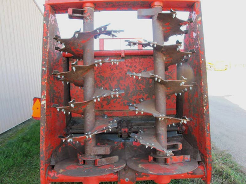 Kuhn Knight PS 160 Vertical Beater Manure Spreader | Farm Equipment>Manure Spreaders - 5