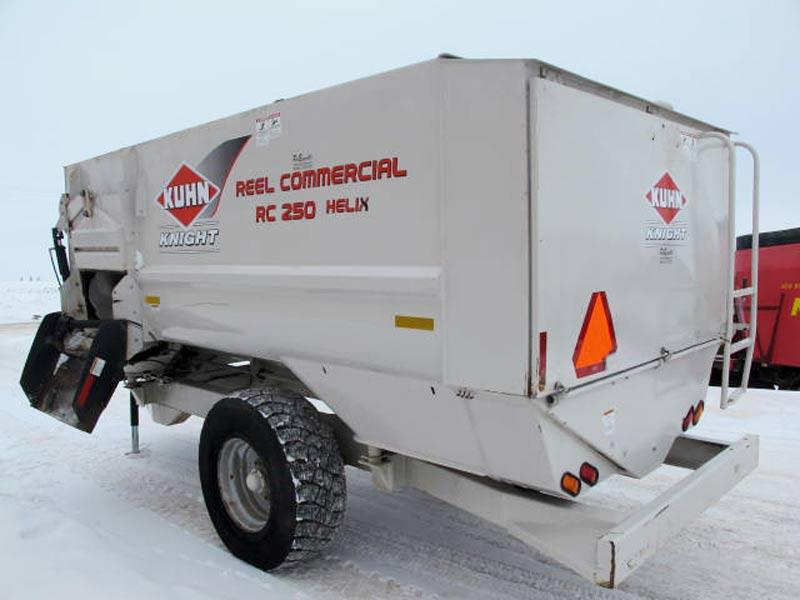 Knight RC 250 reel mixer wagon | Farm Equipment>Mixers>Reel Feed Mixers - 6