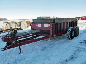 Hagedorn 275 horizontal beater manure spreader | Farm Equipment>Manure Spreaders - 1
