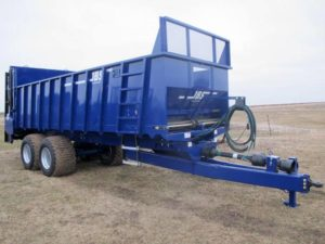 JBS 2448 vertical beater manure spreader | Farm Equipment>Manure Spreaders - 1