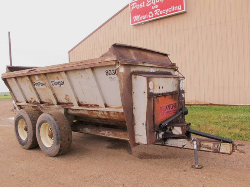 Knight 8030 slinger manure spreader | Farm Equipment>Manure Spreaders - 1