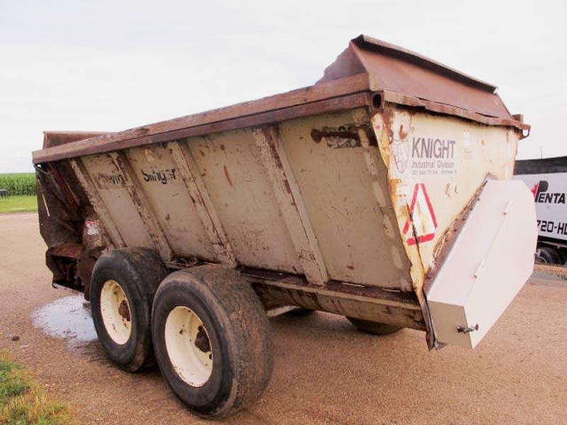 Knight 8030 slinger manure spreader | Farm Equipment>Manure Spreaders - 6