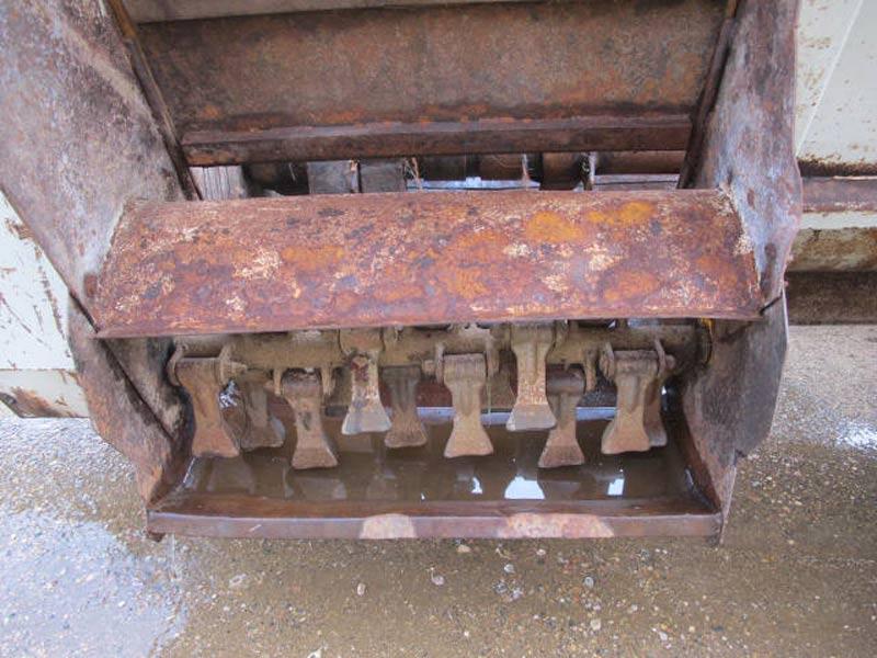Knight 8030 slinger manure spreader | Farm Equipment>Manure Spreaders - 5