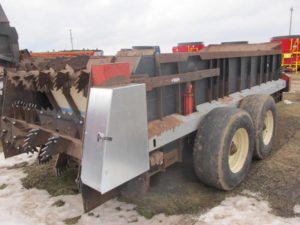 Meyers 2700 manure spreader | Farm Equipment>Manure Spreaders - 1