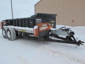 Meyers 2700 manure spreader