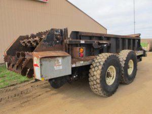 Meyers 3750 horizontal beater manure spreader