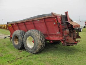Meyers 8865 Manure Spreader | Farm Equipment>Manure Spreaders - 1