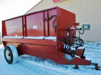 Mono Mixer 1490 Auger Mixer Wagon | Farm Equipment>Mixers>Misc. Feed Mixers - 1