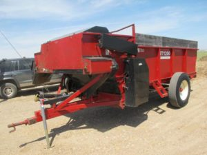 New Tech NT1200 (Roorda bunk feeder) | Farm Equipment>Mixers>Misc. Feed Mixers - 1