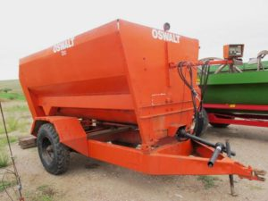 Oswalt 280 3-auger mixer wagon | Farm Equipment>Mixers>Misc. Feed Mixers - 1