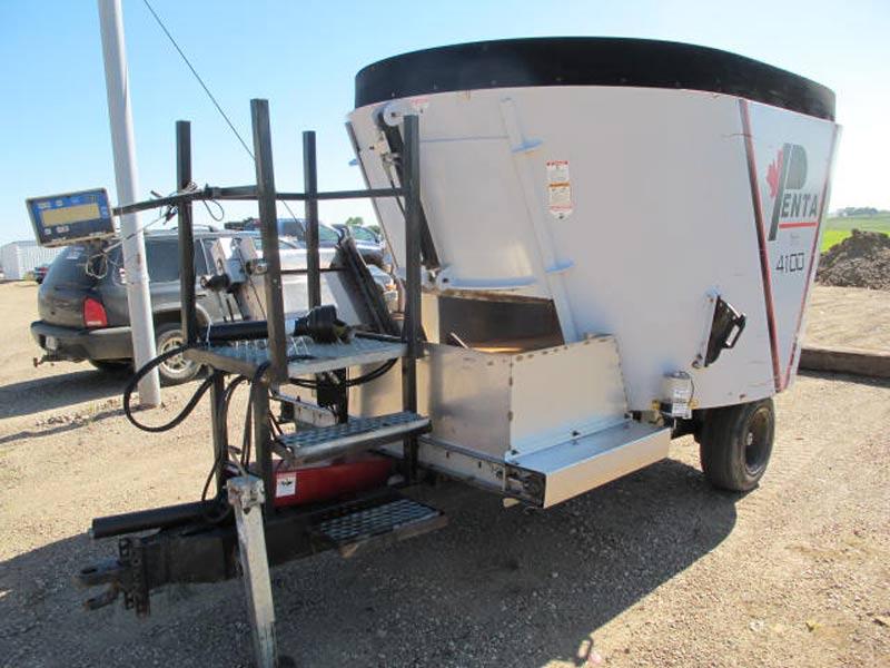 Penta 4100 vertical mixer wagon | Farm Equipment>Mixers>Vertical Feed Mixers - 1