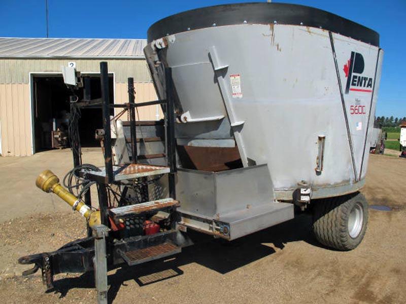 Penta 5600 vertical mixer wagon | Farm Equipment>Mixers>Vertical Feed Mixers - 1