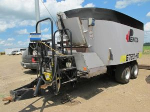 Penta 6720 HD vertical mixer wagon | Farm Equipment>Mixers>Vertical Feed Mixers - 1