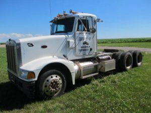 1993 Peterbuilt 377 conventional truck | Farm Equipment>Miscellaneous Farm Equipment - 1