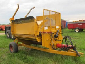 Haybuster 2650 Bale Processor | Farm Equipment>Bale Processors - 1