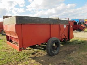 Roorda 5 x 12 Bunk Feed Wagon | Farm Equipment>Mixers>Misc. Feed Mixers - 1