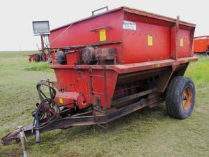 Roorda RM-309 10 foot paddle mixer | Farm Equipment>Mixers>Misc. Feed Mixers - 1