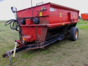 Roorda RM314 12 foot paddle mixer | Farm Equipment>Mixers>Misc. Feed Mixers - 1