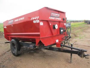 Roto Mix 274-12B Reel Mixer Wagon | Farm Equipment>Mixers>Reel Feed Mixers - 1