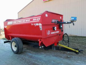 Roto-Mix 354-12 Staggard Rotor Mixer Wagon | Farm Equipment>Mixers>Reel Feed Mixers - 1