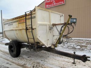 Roto-Mix 420-12 reel mixer wagon | Farm Equipment>Mixers>Reel Feed Mixers - 1