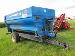 SAC 4400 MaxiMixer 4-auger mixer | Farm Equipment>Mixers>Misc. Feed Mixers - 1