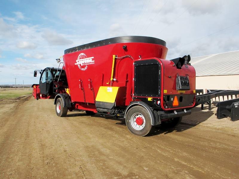 Supreme SPSL30T feed mixer wagon