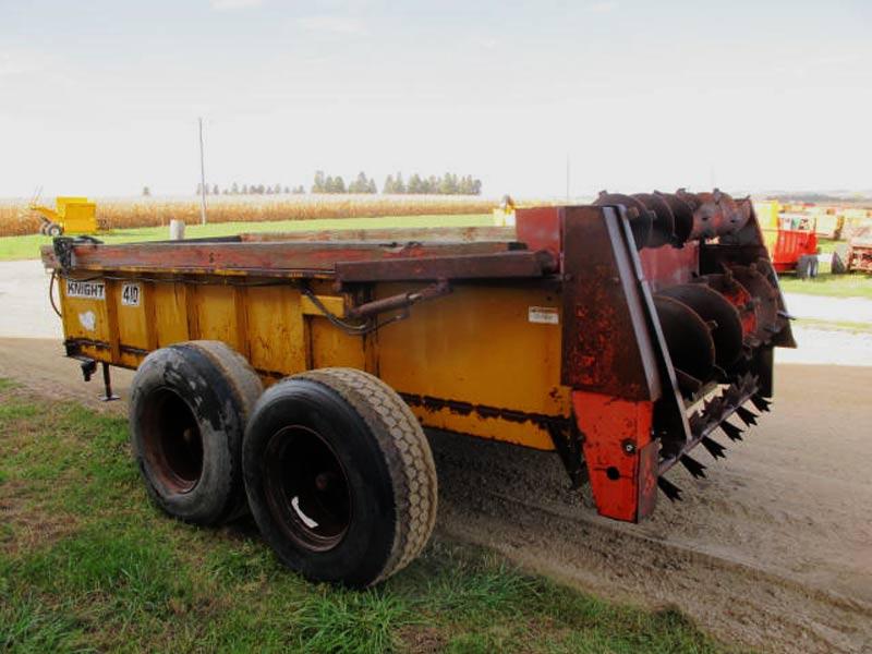 Knight 410 horizontal beater manure spreader   Farm Equipment>Manure Spreaders - 7