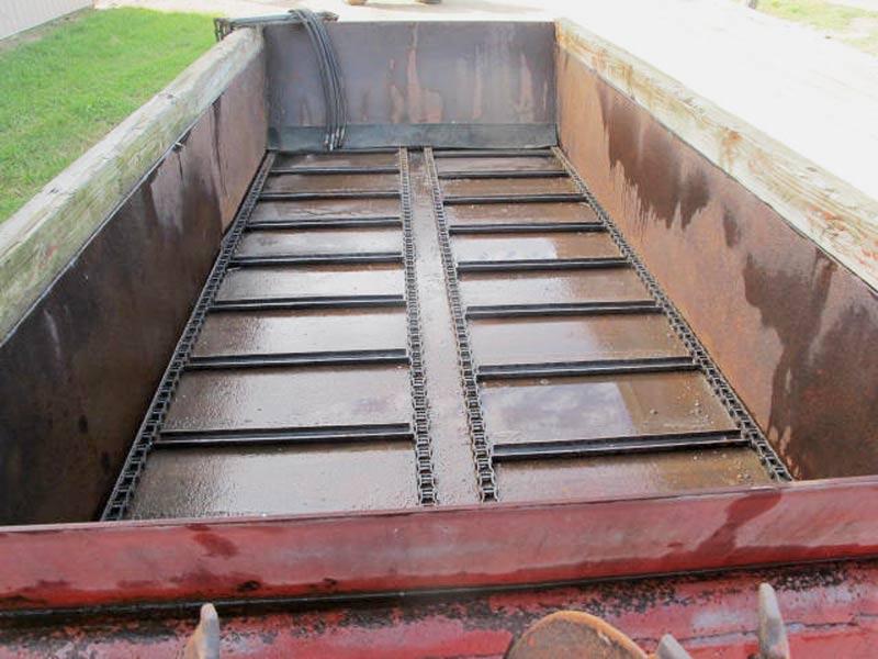 Knight 410 horizontal beater manure spreader   Farm Equipment>Manure Spreaders - 4