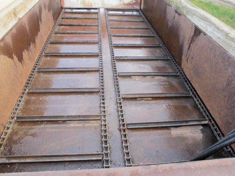 Knight 410 horizontal beater manure spreader   Farm Equipment>Manure Spreaders - 3