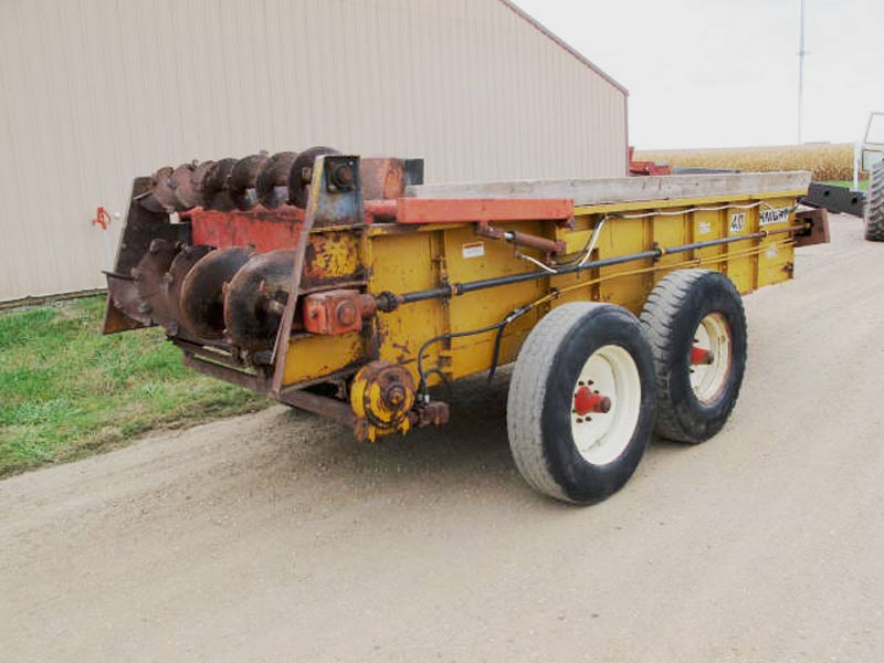Knight 410 horizontal beater manure spreader | Farm Equipment>Manure Spreaders - 7