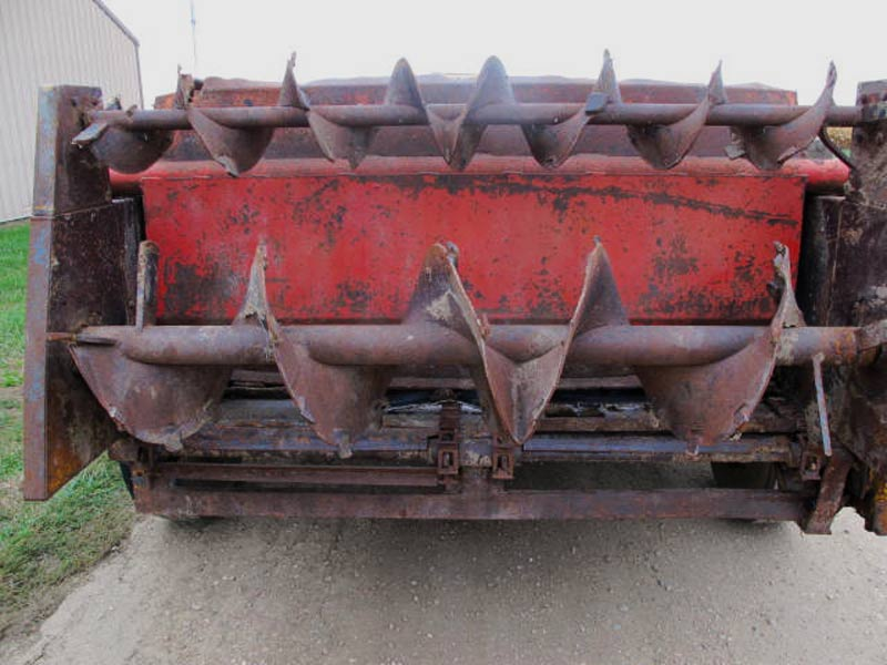 Knight 410 horizontal beater manure spreader | Farm Equipment>Manure Spreaders - 6