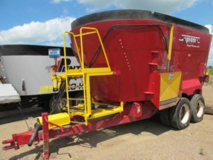 Supreme 1200t vertical mixer wagon | Farm Equipment>Mixers>Vertical Feed Mixers - 1