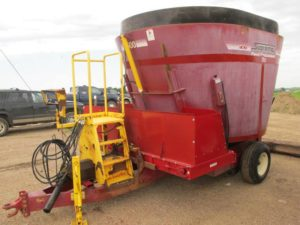 Supreme 500 S vertical mixer wagon | Farm Equipment>Mixers>Vertical Feed Mixers - 1