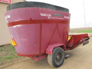 Supreme 500T vertical mixer feed wagon | Farm Equipment>Mixers>Vertical Feed Mixers - 1