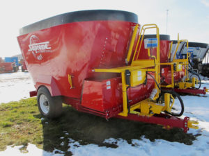 Supreme 600T | Farm Equipment>Mixers>Vertical Feed Mixers - 1
