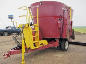 Supreme 700S vertical mixer feed wagon | Farm Equipment>Mixers>Vertical Feed Mixers - 1