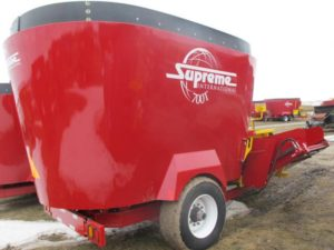 Supreme 700T vertical mixer | Farm Equipment>Mixers>Vertical Feed Mixers - 1