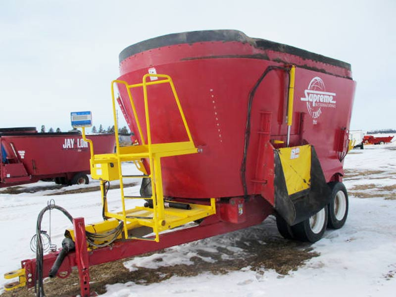 Supreme 1200T Vertical mixer wagon