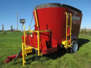 Supreme 700T vertical mixer wagon | Farm Equipment>Mixers>Vertical Feed Mixers - 1