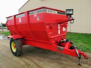 Gehl 7210 auger mixer wagon | Farm Equipment>Mixers>Misc. Feed Mixers - 1