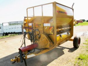 Haybuster 2650 Bale Shredder