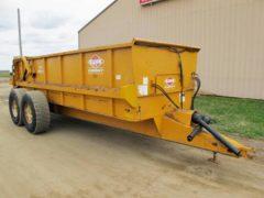 Knight 1159 manure spreader | Farm Equipment>Manure Spreaders - 4