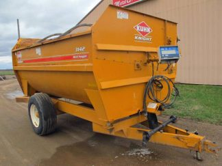 Knight 3142 Reel Mixer Wagon | Farm Equipment>Mixers>Reel Feed Mixers - 1