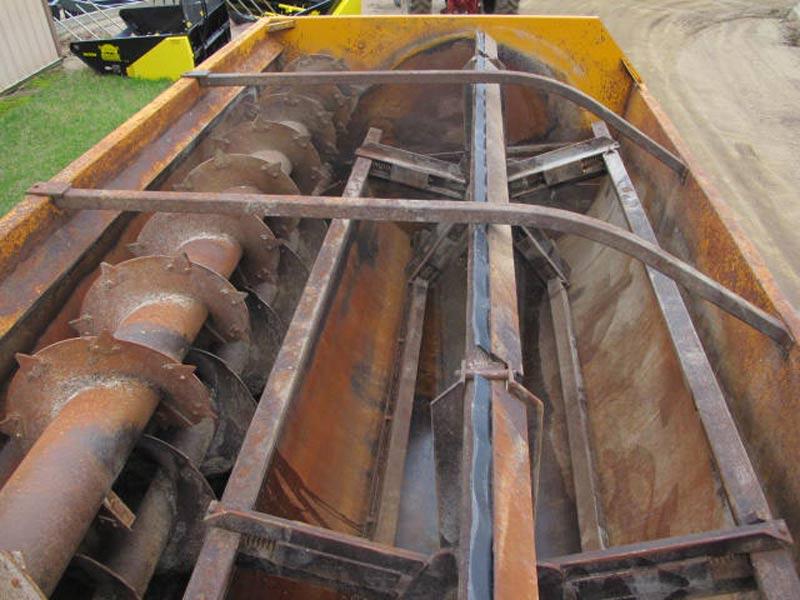 Knight 3142 Reel Mixer Wagon | Farm Equipment>Mixers>Reel Feed Mixers - 5