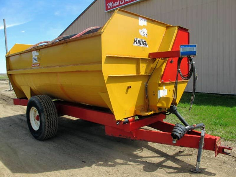 Knight 3550 Reel Mixer Wagon | Farm Equipment>Mixers>Reel Feed Mixers - 1