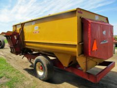 Knight 3550 Reel Mixer Wagon | Farm Equipment>Mixers>Reel Feed Mixers - 5