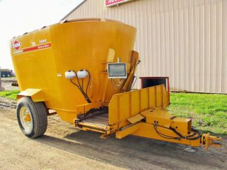 Kuhn Knight 5144 Vertical Mixer Wagon | Farm Equipment>Mixers>Vertical Feed Mixers - 1