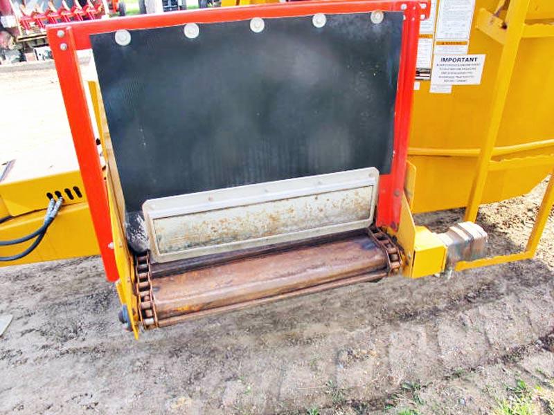 Kuhn Knight 5144 Vertical Mixer Wagon | Farm Equipment>Mixers>Vertical Feed Mixers - 6
